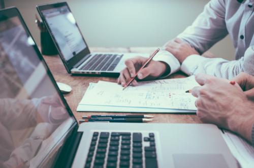 Entreprises de services aux entreprises: quel statut de société choisir?